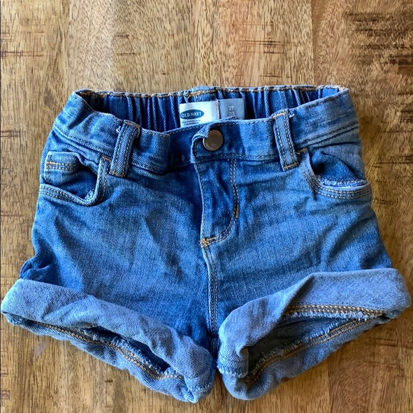 Old Navy Other - Old Navy 2T cuffed shorts